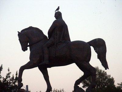 Скульптуры и памятники Еревана